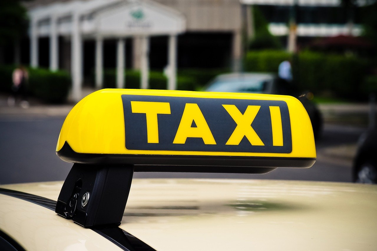 How to Make Savings on Your Public and Private Hire Taxi Insurance